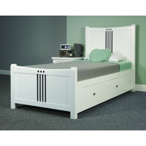 Lewis Bed
